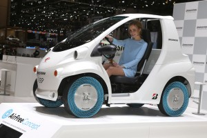 Concept Car mit Air Free Concept Tires
