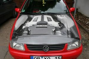 """VW Polo mit """"durchsichtiger"""" Motorhaube"""